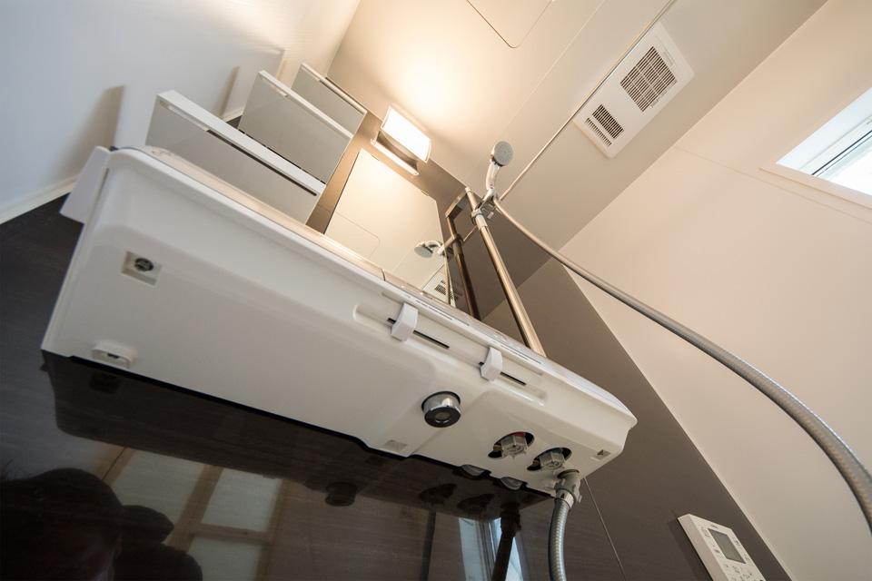 換気乾燥暖房機付きのバスルーム。洗濯物の乾燥も可能です。