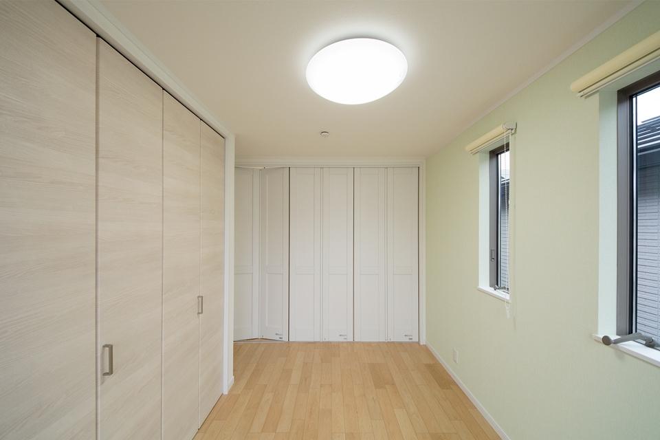 可動間仕切りを閉じれば簡単にお部屋を分けることが可能です。