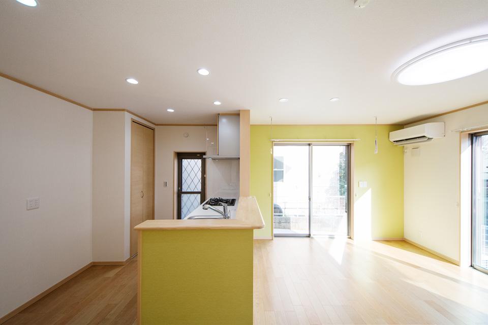 パントリーや床下収納など収納豊富なキッチンスペース