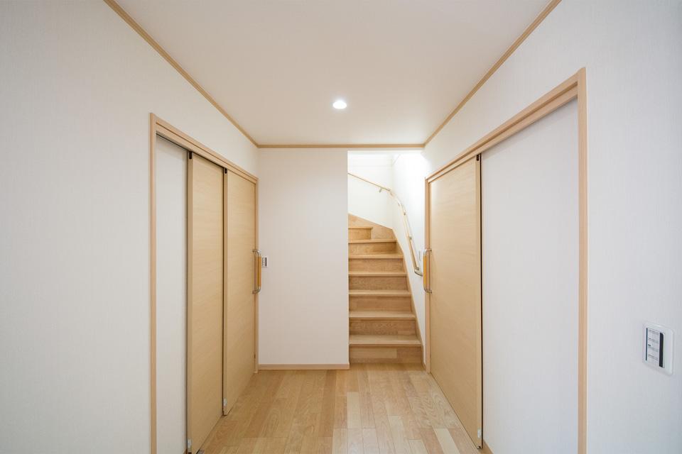 広々としたゆとりある廊下。