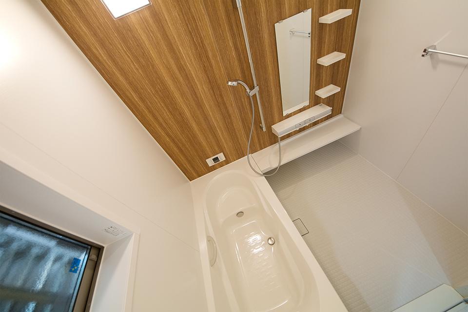 1620サイズのゆとりあるバスルーム。