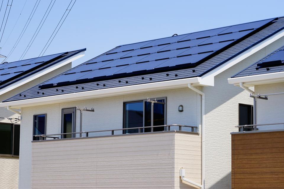 経済的で環境に優しい太陽光発電の家