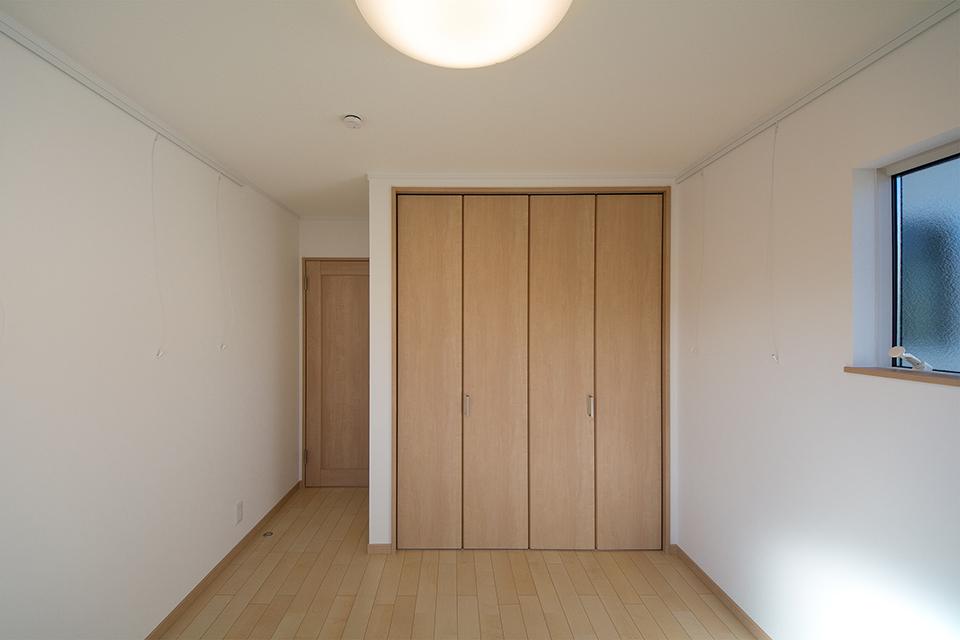 シカモアのフローリングが穏やかな室内を演出。