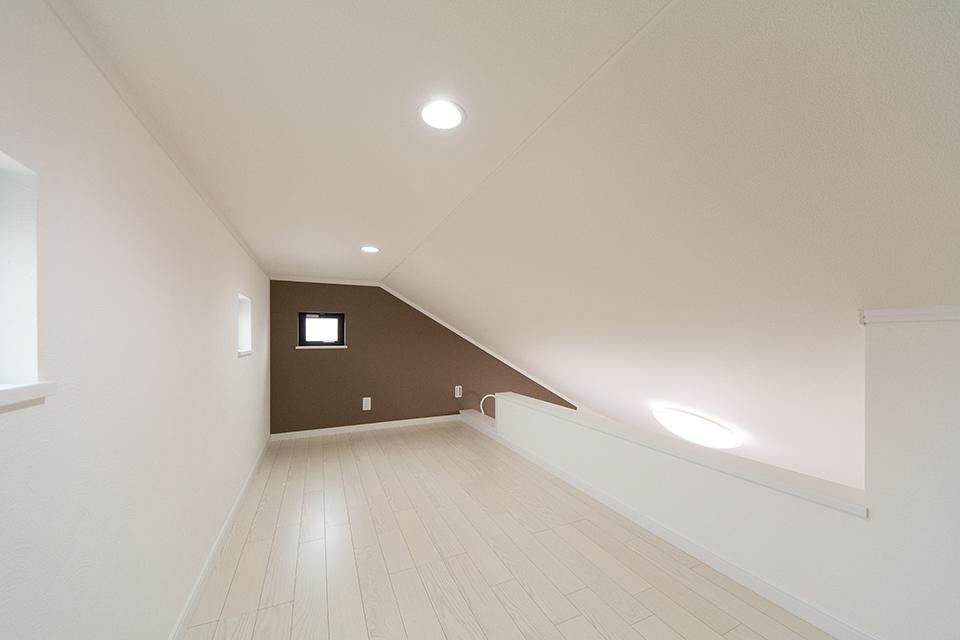各洋室に設えたロフト。収納豊富な居住空間に。