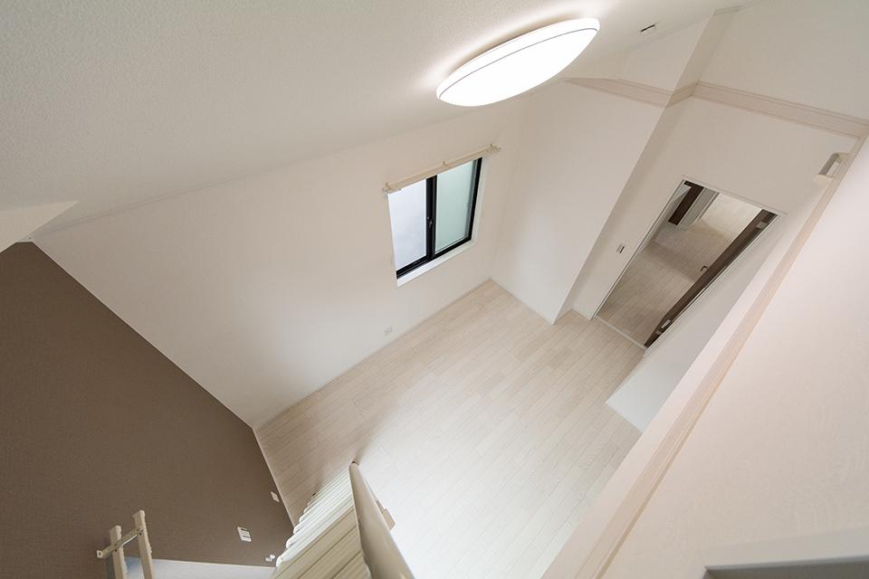 ロフト上部から室内を撮影。