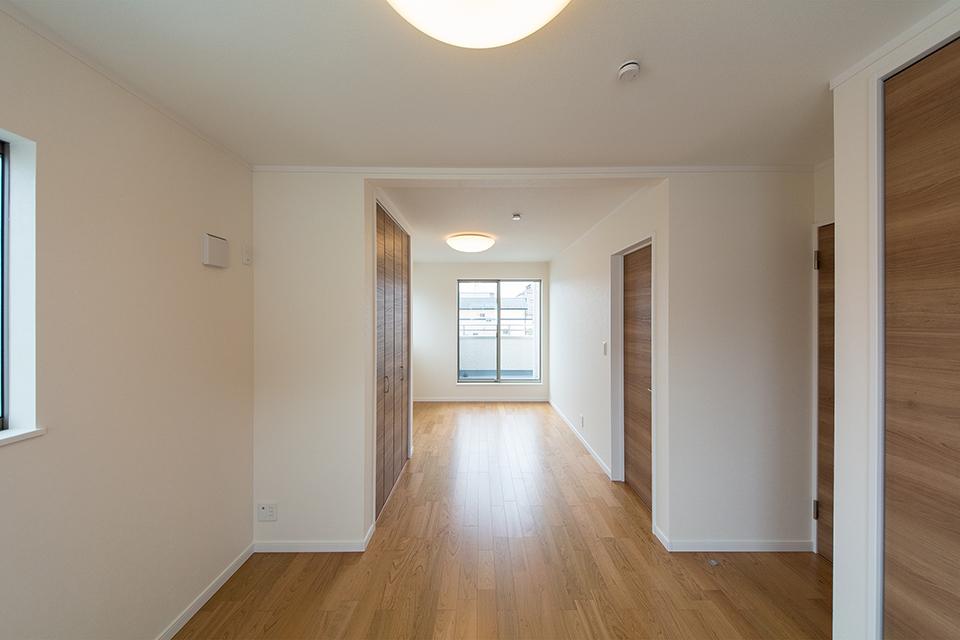 ご家族の変化に合わせてお部屋を増減できるフレキシブルタイプの2階洋室。