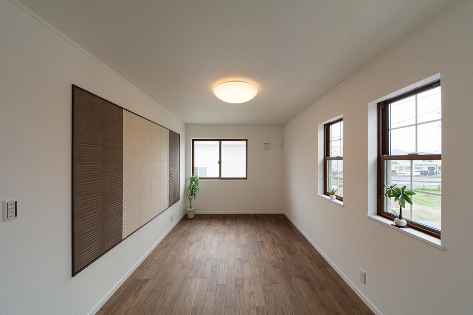 空気を美しく整えるインテリア壁材「エコカラット」が空間を彩ります。