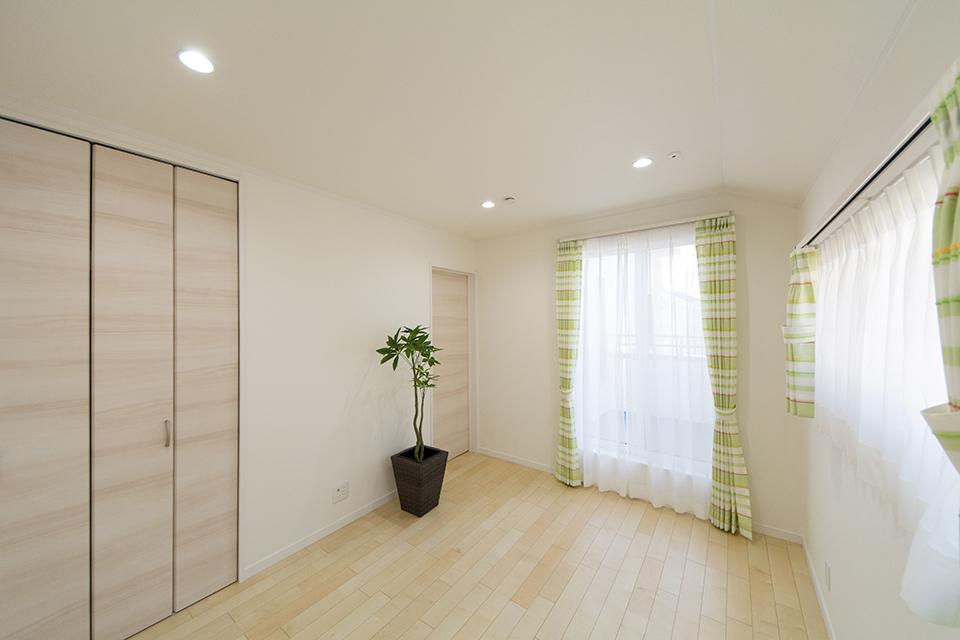 2階洋室B-ナチュラルな配色で心地よい穏やかな空間に。