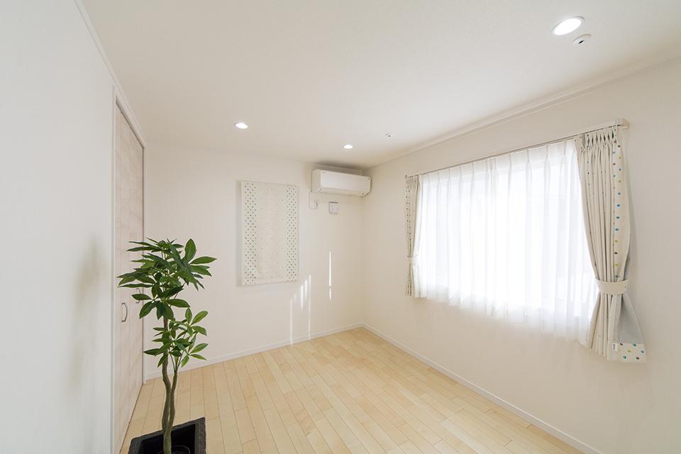 2階洋室C-ナチュラルな配色で心地よい穏やかな空間に。