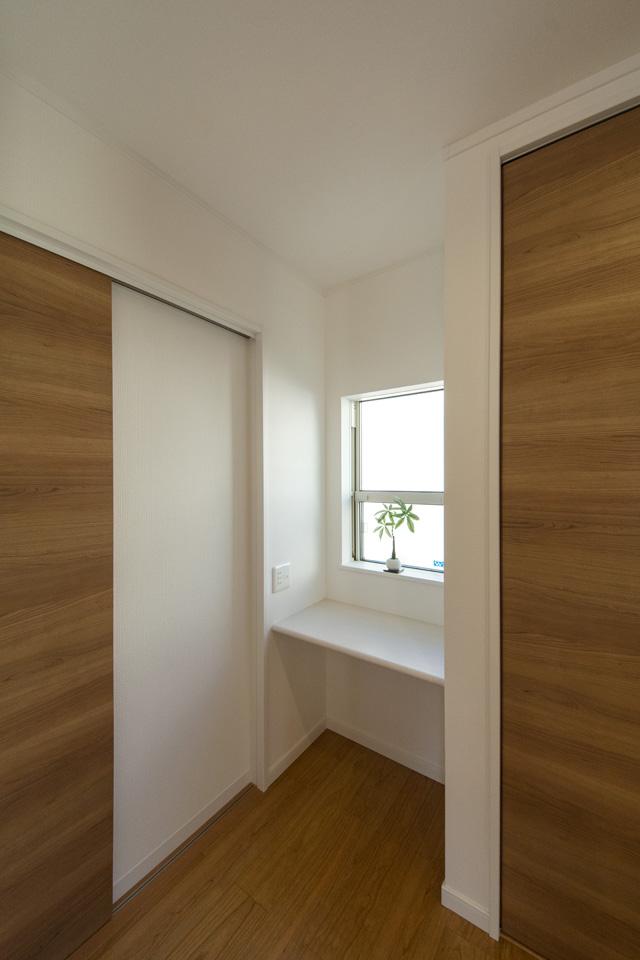 ママコーナー(家事スペース)―料理しながら、洗濯しながら奥様専用スペース