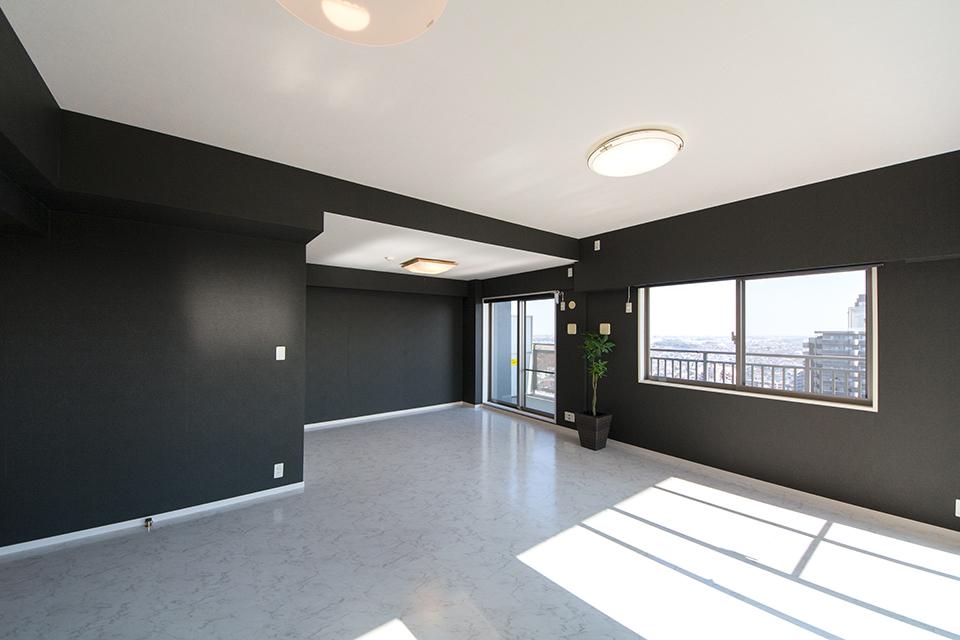 黒と白を基調としたスタイリッシュな空間に大変身。