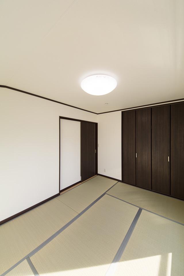 畳のさわやかなグリーンが空間を彩る2階畳敷き。