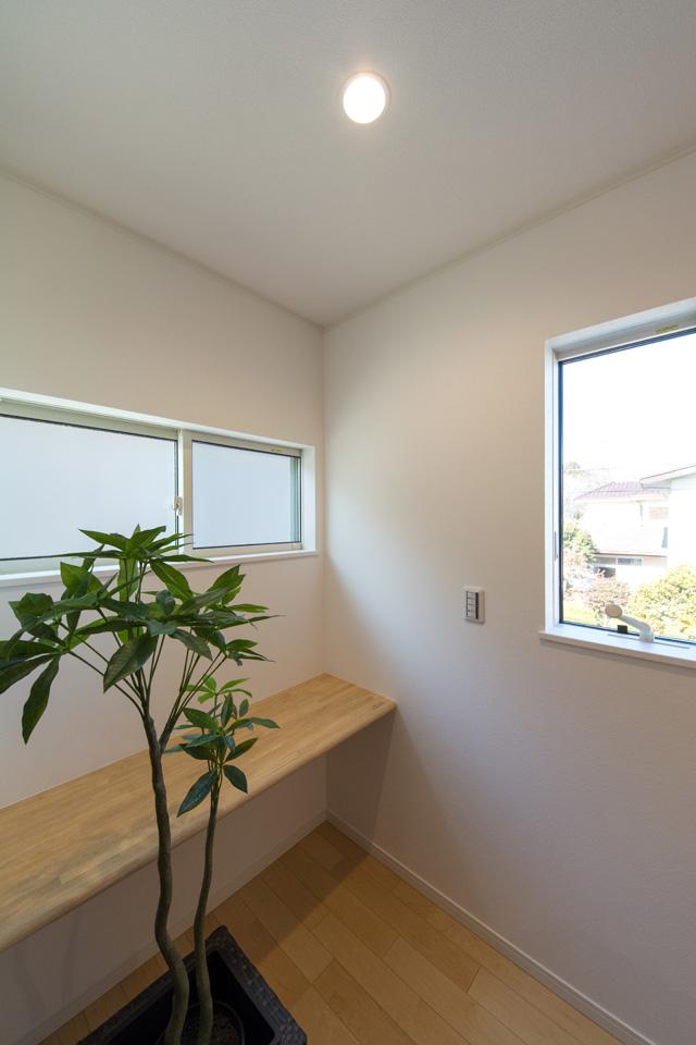 書斎やスタディスペースなど使い方色々♪自由空間のカウンターです。