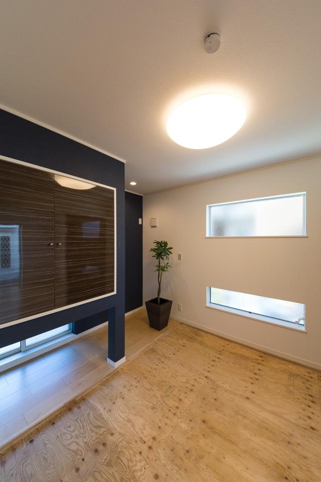 1F畳敷き洋室(写真は畳設置前)。和と洋が融合した、和洋モダンスタイルです。