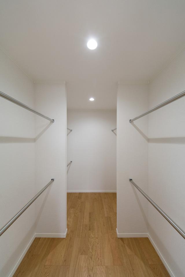 2階ウォークインクローゼット(3帖)