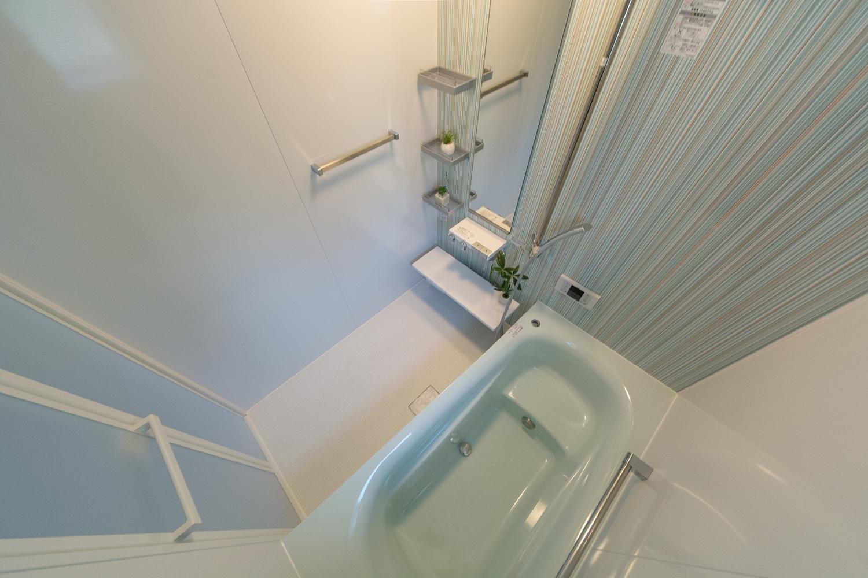 浴槽カラーも水色に統一しました。