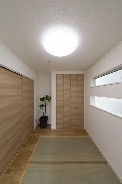 モダンな印象に仕上がった1階畳敷きスペース。