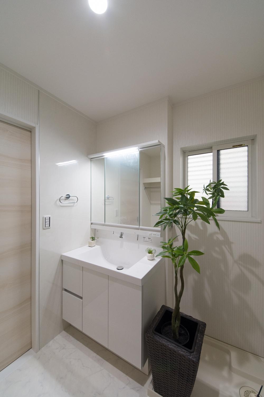 広々とした2Fサニタリールーム(子世帯専用)は毎朝快適にお使いいただけます。