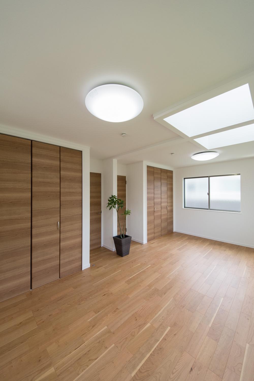 明るく風通しの良い開放的な空間。お掃除がしやすく便利です。