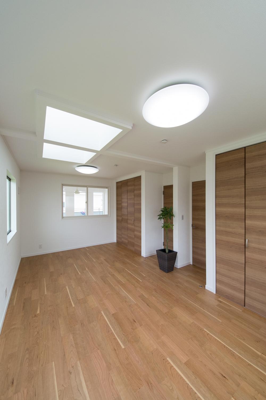 ご家族の変化に合わせてお部屋を増減できるフレキシブルタイプの2F洋室。
