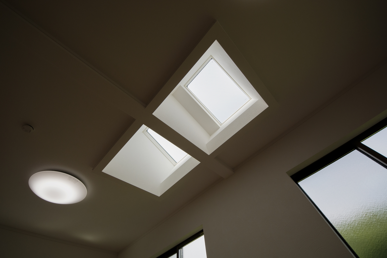 天窓を設け、北側のお部屋も光のあふれる空間に。