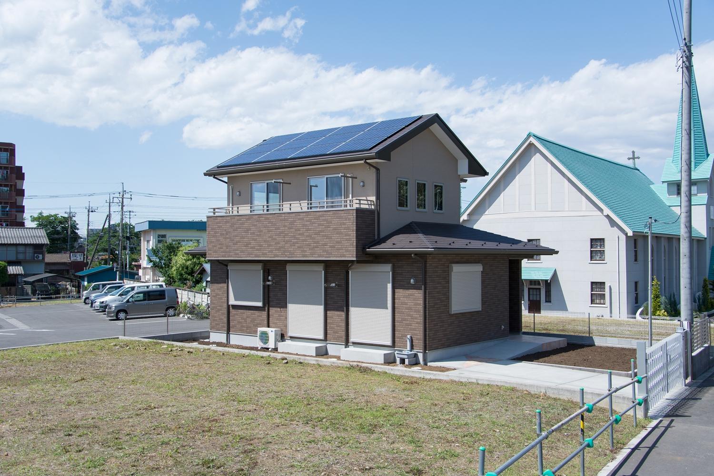 これからの未来の生活に向かって、環境にやさしい太陽光発電を導入。優れた断熱性とともに、エコなライフスタイルを。