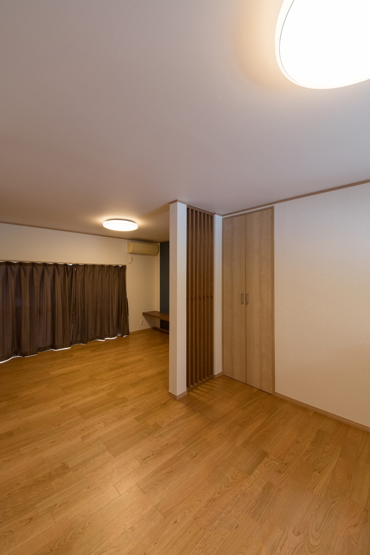1階LDK/和室と洋室の間にあった壁を取り払って開放的なLDK空間に大変身しました。