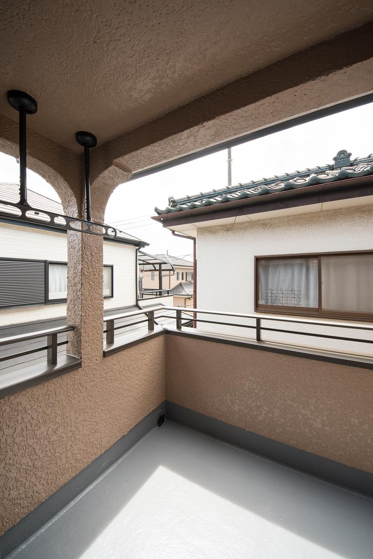 1階の屋根部分を、インナーバルコニーに大変身させました。