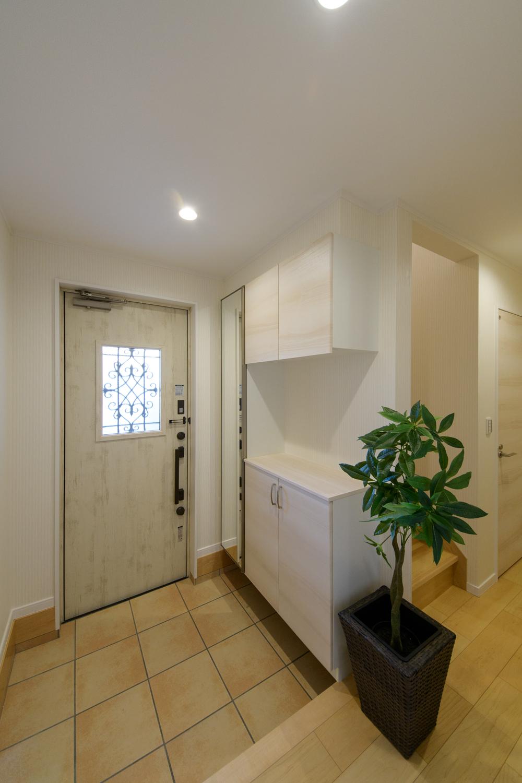 明るく広々とした玄関。気持ち良くお客様をお迎えできます。