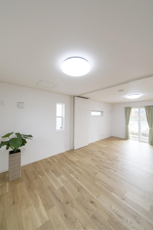 グランドピアノ専用スペース。床はピアノ用に補強してあるので安心して演奏ができます。