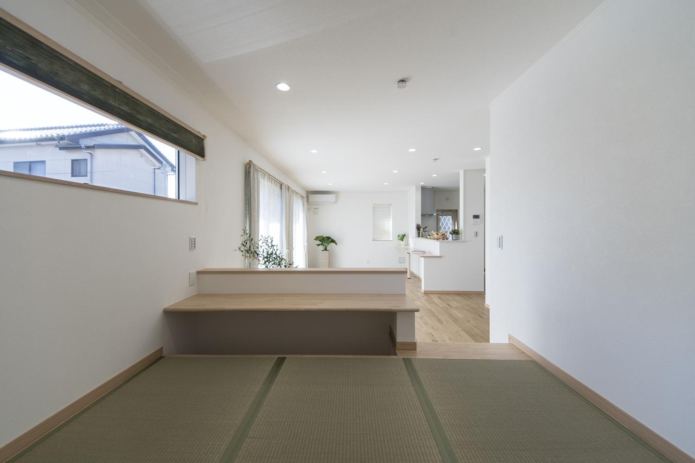 家族の憩いの場としても小上がりの畳スペースは大活躍!子供の遊び場にもぴったりです♪