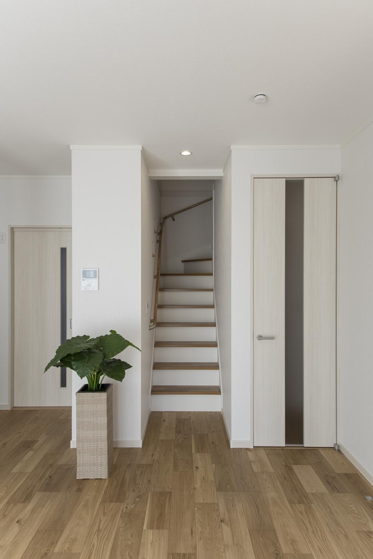 リビングイン階段を取り入れることで、ご家族が自然と顔を合わせる機会が増えます。