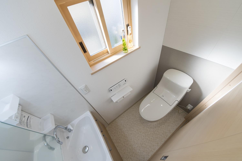 2Fトイレ/洗面化粧台を設置した、使い勝手のよい空間です。