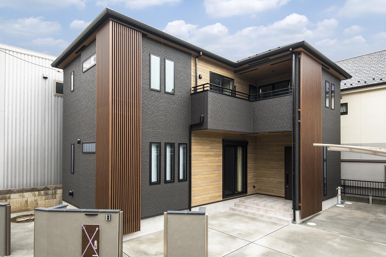 デザインと機能美を備えた、大人の雰囲気漂う住まいが完成しました。