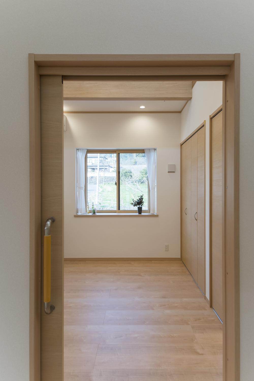 全室(納戸以外)引戸タイプのドアを施しました。