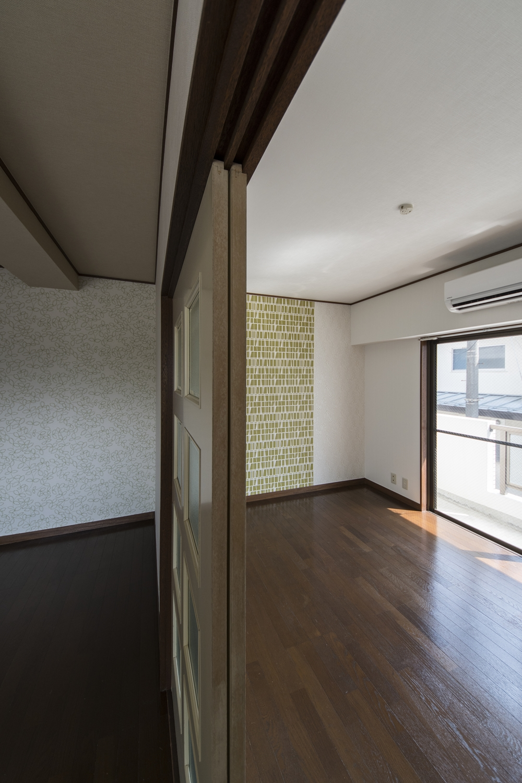 床をクリーニングしてキレイになりました。光沢が出てお部屋が明るくなります。