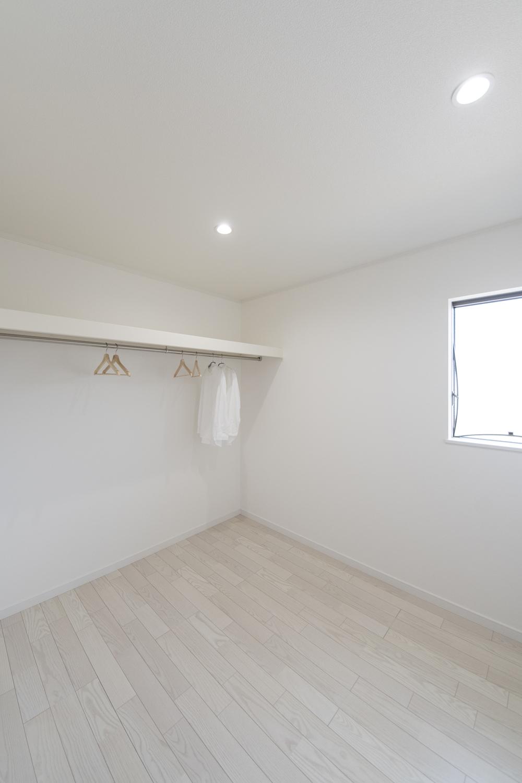 2階納戸スペース(3.75帖)。