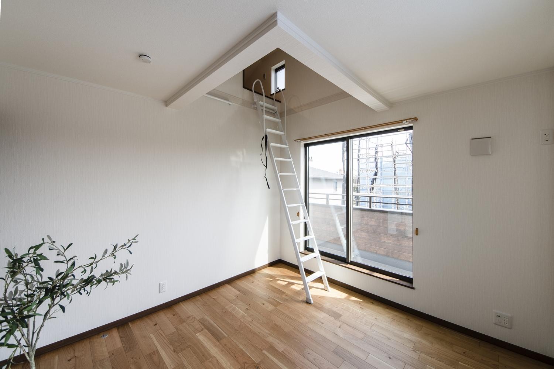 収納力のあるロフトを設えた2階洋室。季節ものやご家族の大切な思い出が保管できます。