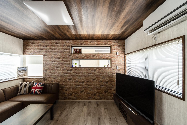 お気に入りの家具や小物が映える、バーやカフェやショップの様なおしゃれな空間に仕上がりました。