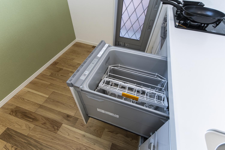 食器洗い乾燥機を施し機能美も充実させました。