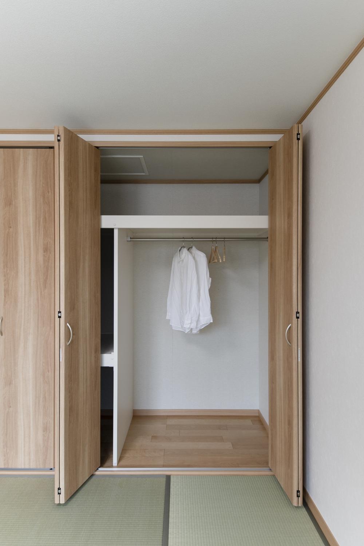 2F畳敷き洋室/大きなクロゼットを設え収納たっぷり!住空間を広々とご使用できます。