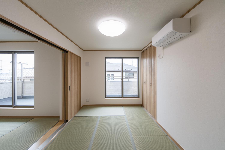 2F畳敷き洋室/和の伝統、どこかノスタルジックで心と体を安らげてくれる場所。
