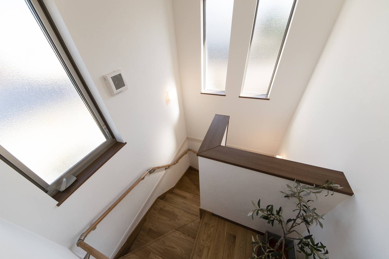 明るく開放感のある2階ホール。