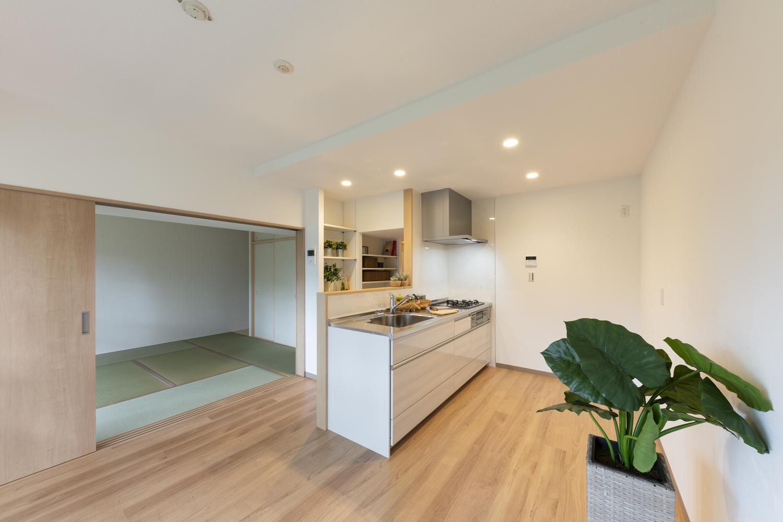 築38年仕様のマンション一室を、現代のスタイルで暮らせる為のリノベーション工事。