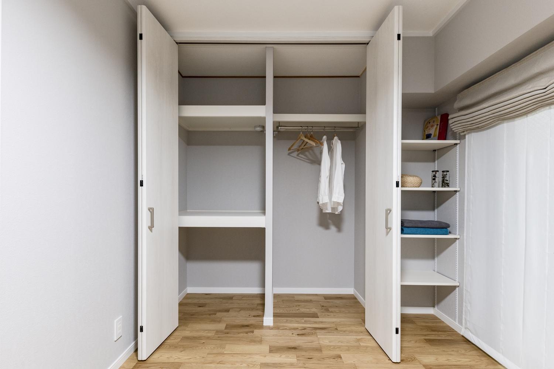 和室を洋室にリニューアル!畳をフローリングに、和室収納をスタイリッシュで機能的なクロゼットに大変身させました!