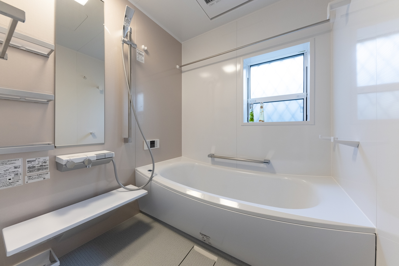 4時間経過しても約2.5℃しか温度が低下しない驚くべき保温性能の「魔法びん浴槽」のエコなお風呂♪