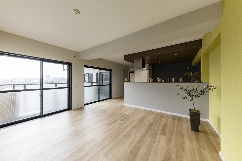リビング/和室と壁を無くしお部屋を一つにして、ビューキッチンが主役の開放的で広々としたリビングダイニングに生まれ変わりました!