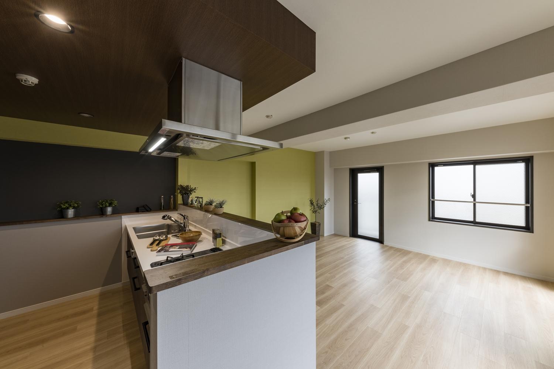 キッチンと住まいが一つのつながりになって暮らしにフィット。優しい風が通り抜ける心地よい場所。