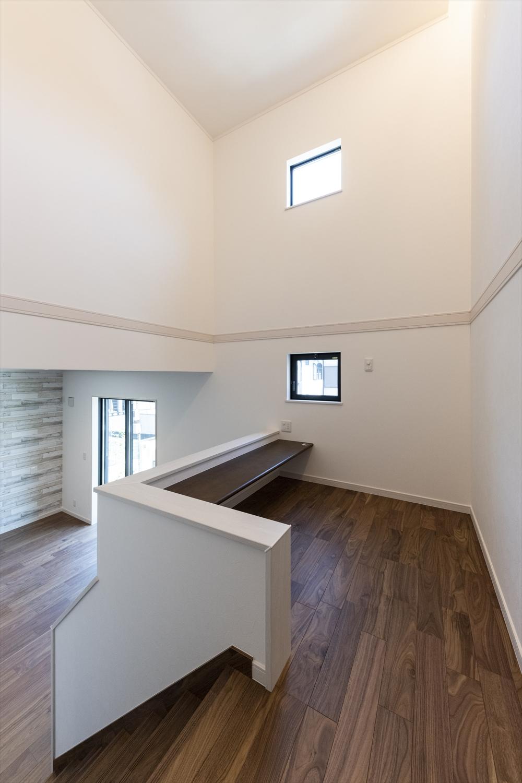 1階と2階の間のスキップフロア。勉強をしたり、読書をしたり、自分の部屋やリビングにいる時とはまた違った特別な空間に。