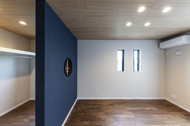 2階洋室/和×モダンな雰囲気に包まれた主寝室。